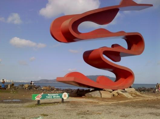 Monumento_Tomie_Ohtake